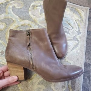 Crown Vintage Brown Leather Bootie